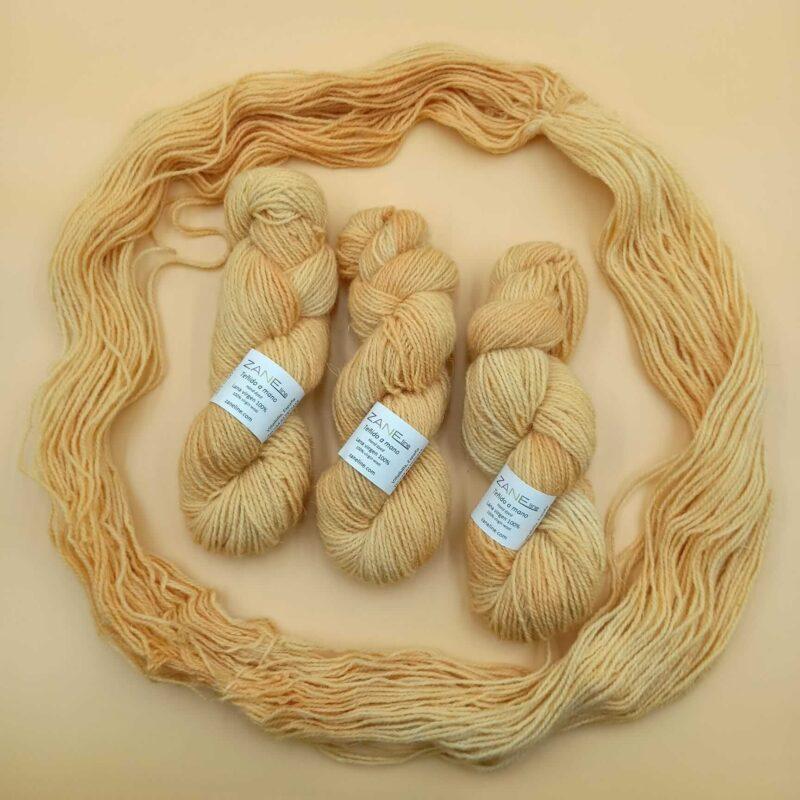 hand dye yarn wool
